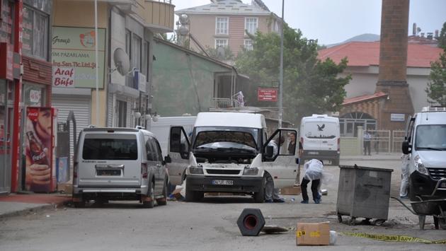 Muş'ta 1 ton patlayıcı yüklü minibüs ele geçirildi