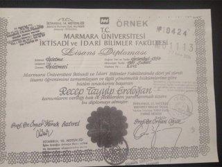 YSK, Cumhurbaşkanı Erdoğan'ın diplomasını paylaştı