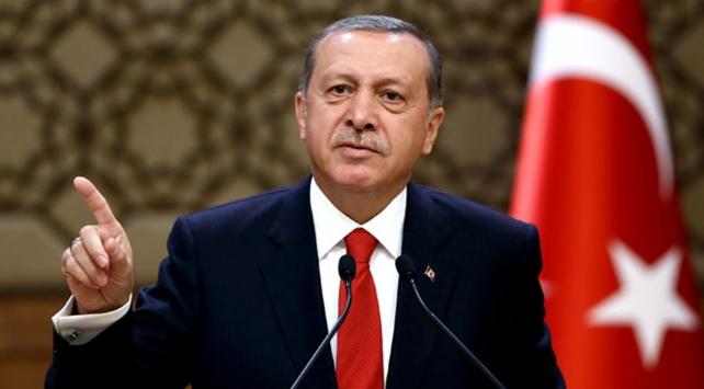 Cumhurbaşkanı Recep Tayyip Erdoğan, maç sonrasında turuncu-lacivertli takımın soyunma odasına giderek, teknik heyet ve futbolcuları kutladı.