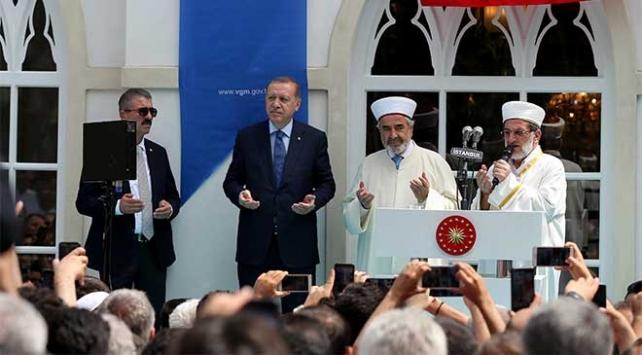 Cumhurbaşkanı Erdoğan, Yıldız Hamidiye Camii'ni ibadete açtı