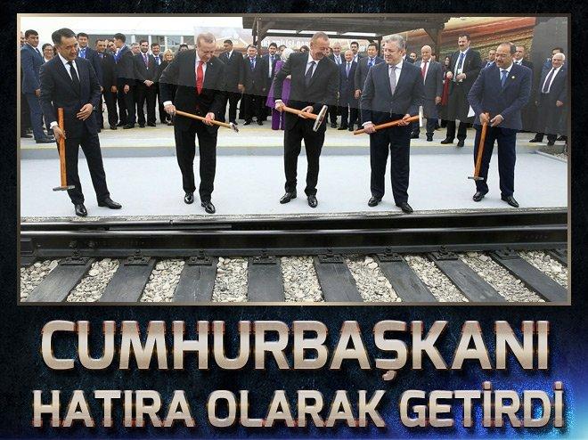 660x494-cumhurbaskani-erdogan-btk-cekicini-hatira-aldi-1509777810763