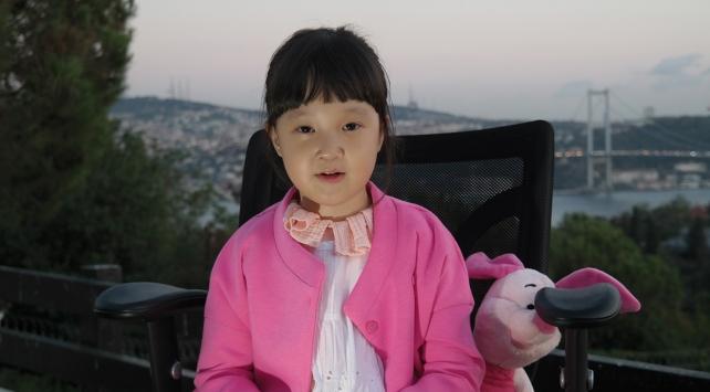 Çocuk Ayla, biriktirdiği paralarını UNICEF'e bağışladı