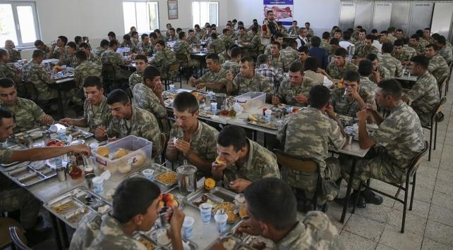 Kışlalardaki yemek duası değişti