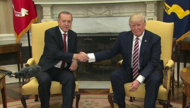 ABD basını: Trump yönetimi YPG'ye silah desteğini kesiyor