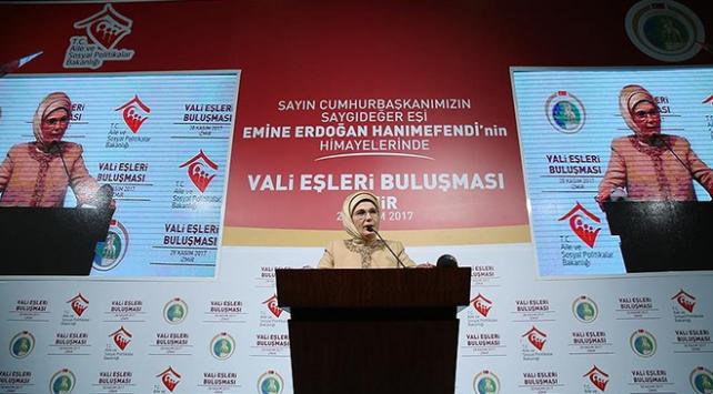 Emine Erdoğan: Yerkürede nerede insanlık sorunu varsa biz oradayız