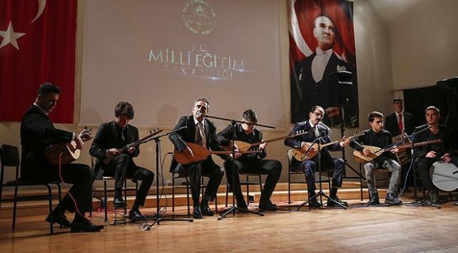 Cumhurbaşkanlığı Sözcüsü Kalın öğrencilere konser verdi