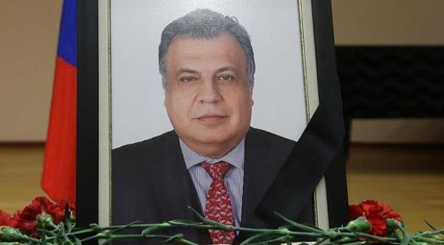 Karlov cinayetiyle ilgili serginin organizatörüne tutuklama