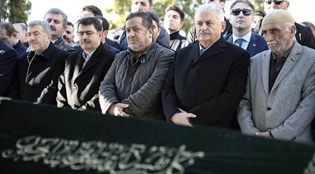 Başbakan Binali Yıldırım, ilkokul öğretmeni Kumbar'ın cenazesine katıldı