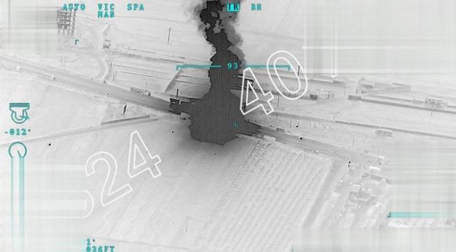 TSK'nın Afrin'e mühimmat taşıyan terör örgütü konvoyunu vurduğu anlar