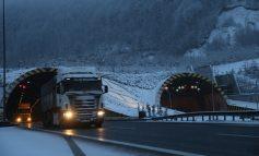 Yoğun kar Bolu Dağı'nda ulaşımı aksattı