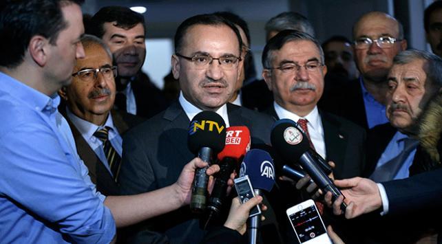 """Başbakan Yardımcısı Bekir Bozdağ'dan """"TRT'de şarkı yasağı"""" iddialarına cevap"""