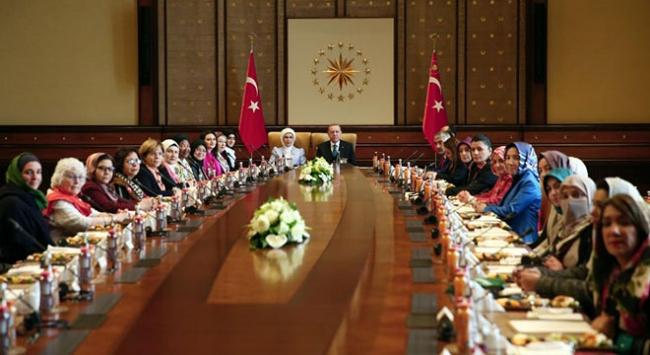 """Cumhurbaşkanı Recep Tayyip Erdoğan, """"Vicdan Konvoyu"""" temsilcilerini kabul etti"""