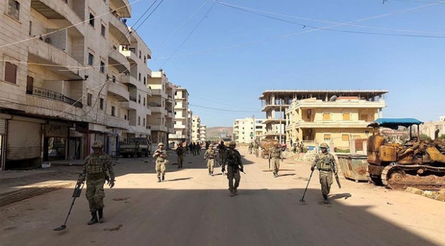 YPG/PKK'nın tuzakladığı bomba patladı: 3 sivil hayatını kaybetti