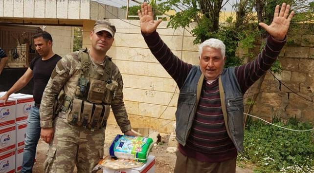 Mehmetçik Afrin'e yardım elini uzatmaya devam ediyor