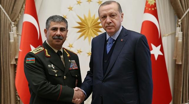 Cumhurbaşkanı Erdoğan Azerbaycan Savunma Bakanı'nı kabul etti