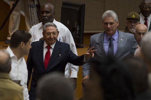 Küba'da bir devrin sonu