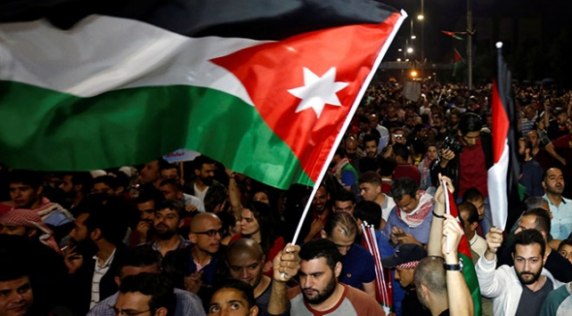 Başbakanın istifasına rağmen Ürdün'de protestolar durulmuyor